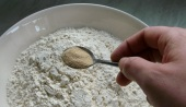 sesame_topped_white_bread_recipe_flour_yeast_salt
